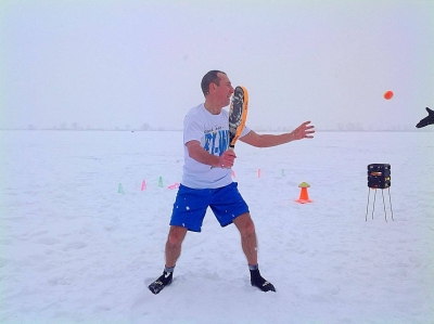 Beach tennis in the snow